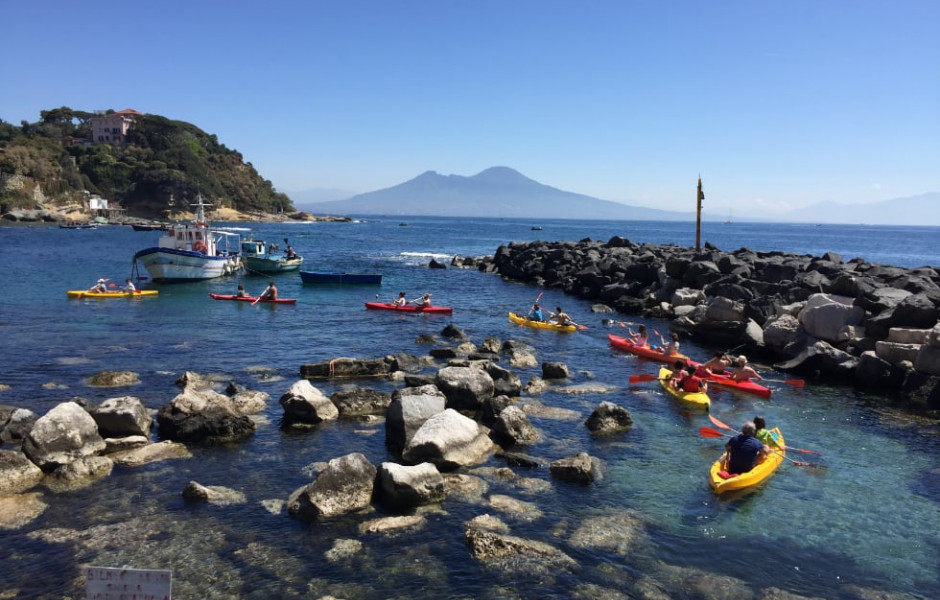 Discover Naples and surroundings